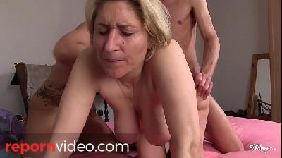 REIFE SWINGER - German amateur mature swingers banging in hardcore threesome